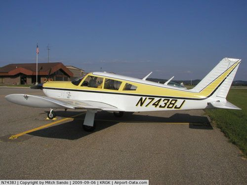 Piper PA-28R-180 Cherokee Arrow